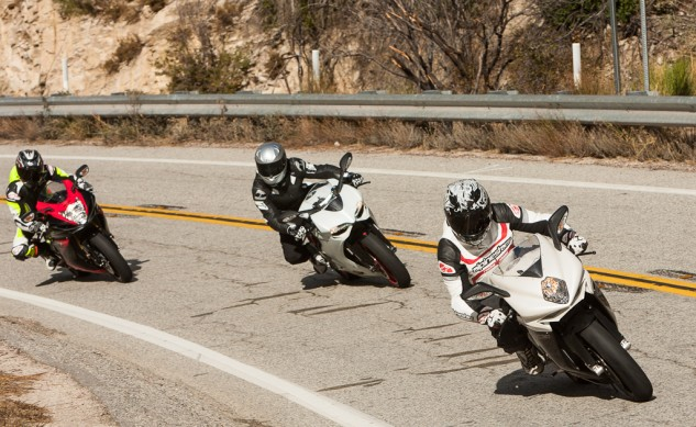 Super-Middleweight Sportbike Shootout Action Street