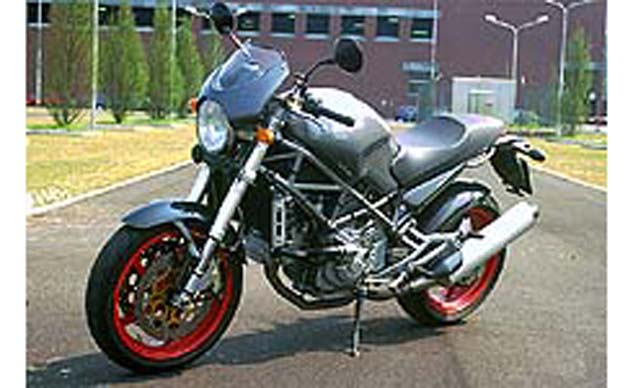 church of mo 2001 ducati monster s4 first ride. Black Bedroom Furniture Sets. Home Design Ideas