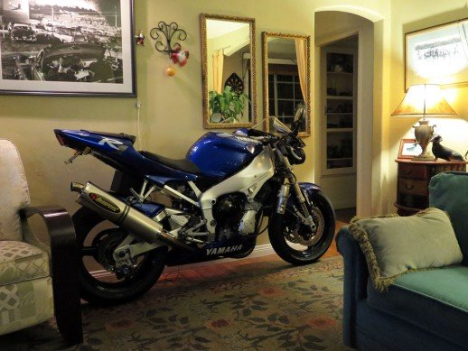 030314-whatever-yamaha-r1-in-house