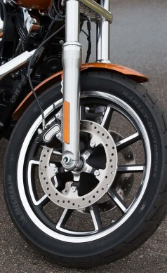 030914-2014-harley-davidson-low-rider-static-48710
