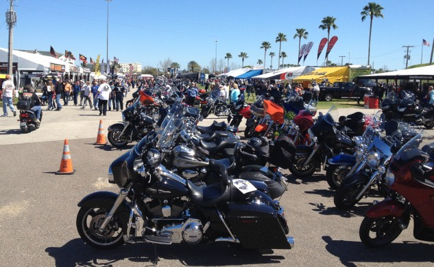 031214-2014-daytona-bike-week-IMG_5429-2