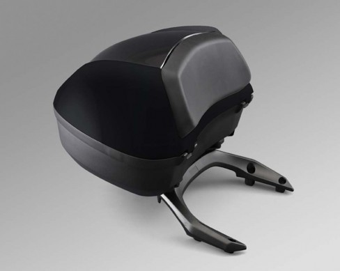 032014-2014-honda-ctx1300-14_CTX1300_Accessories_TrunkWPad_Blk_LR