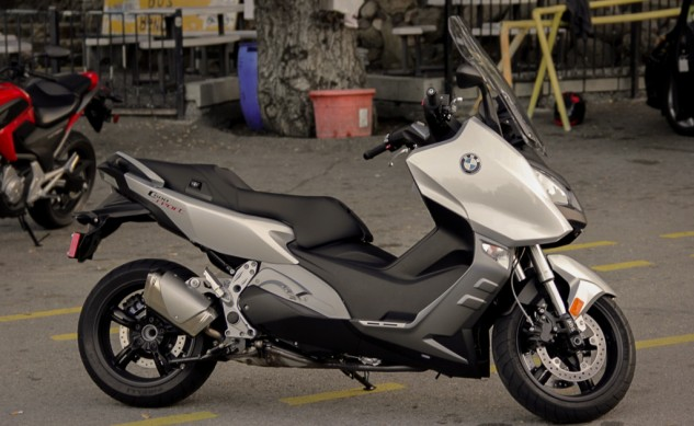 2014-BMW-C600-Sport-Profile