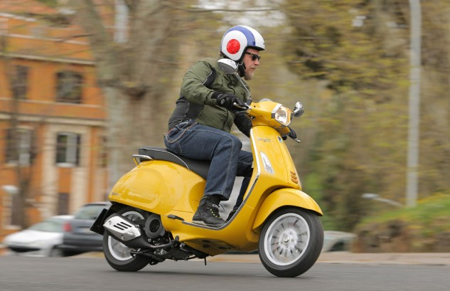 2014 Vespa Sprint 125 Action Right