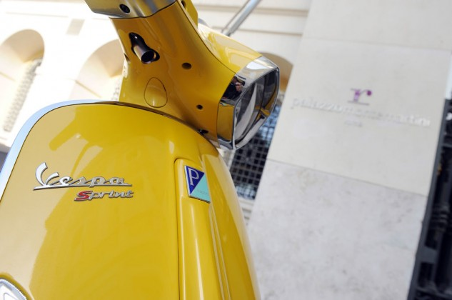 2014 Vespa Sprint 125 Badge