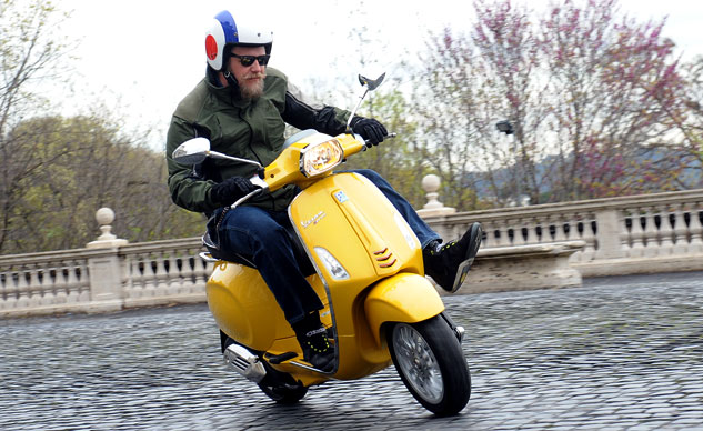 2014 Vespa Sprint 125 Feature