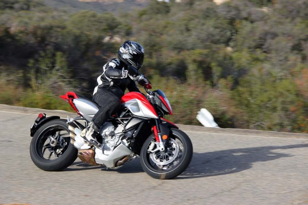 2014 MV Agusta Rivale 800 action right