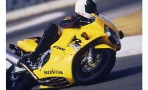 1998 Honda CBR900RR Yellow action 3