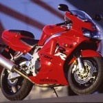 1998 Honda CBR900RR Red static