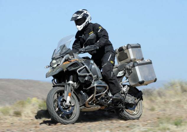 Like the R1200RT, the 2014 GS Adventure benefits from a new continuous tubular steel bridge-type frame that increases rigidity for improved handling. Both the subframe and passenger footpegs are of the bolt-on variety.