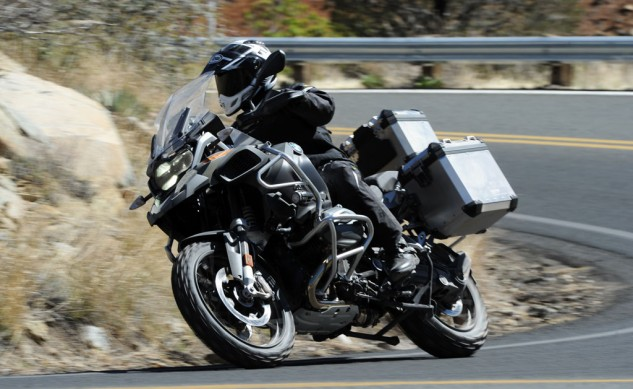 040814-2014_BMW_R1200GS-Adventure_Road