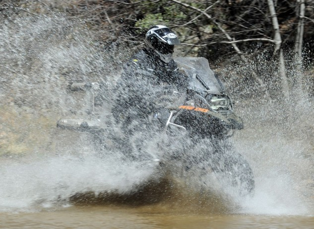 041414-2014_BMW_R1200GS-Adventure_splash-1