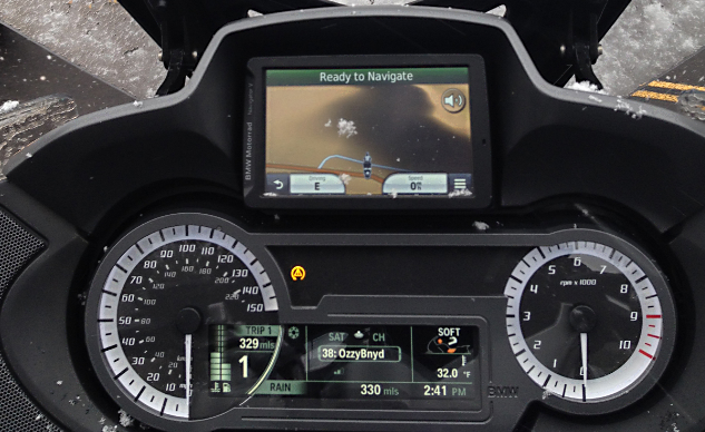 2014_BMW_R1200RT_Dash