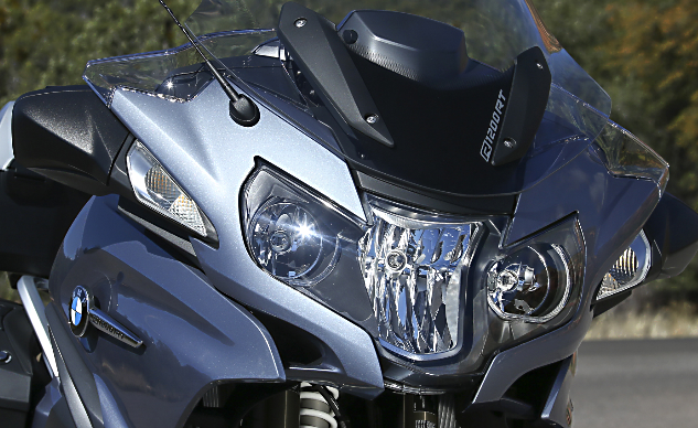 2014_BMW_R1200RT_Front
