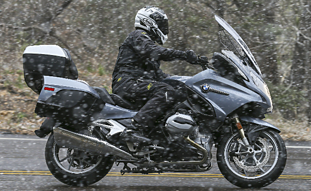 2014_BMW_R1200RT_Snow