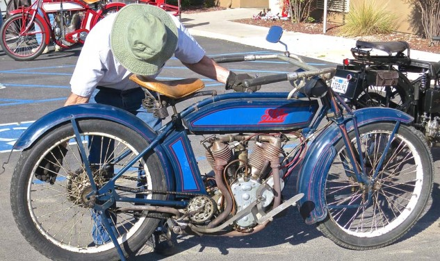 Wes Allen preps his Thor twin for the ride. Builder of the early Indian engines, the Aurora Automatic Machinery Company of Illinois was in business from 1902 to 1917.