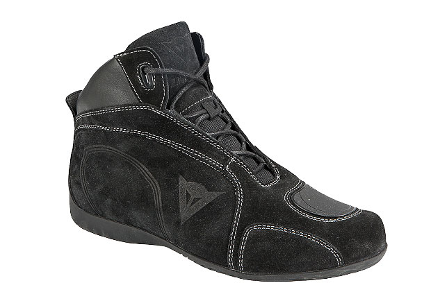 All black highlighted by silver stitching: Subtle, attractive, elegant and cool. Note the embossed logo on the shoes' side.