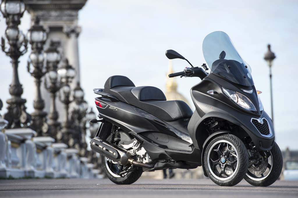 2014 piaggio mp3 500 abs asr review first impressions. Black Bedroom Furniture Sets. Home Design Ideas