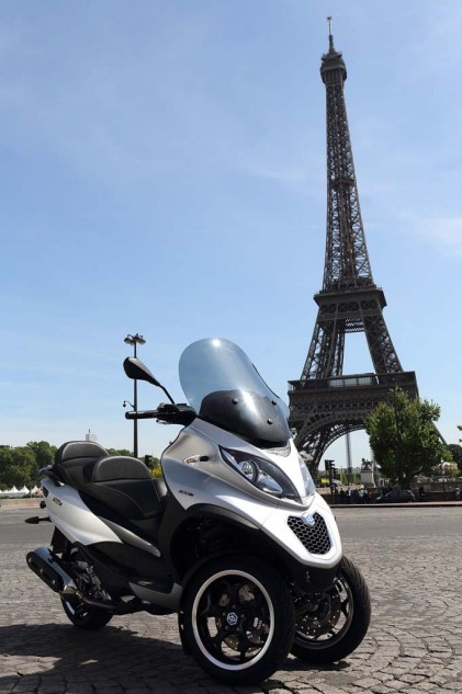 051614-2014-piaggio-MP3-Sport-500-eiffel-tower