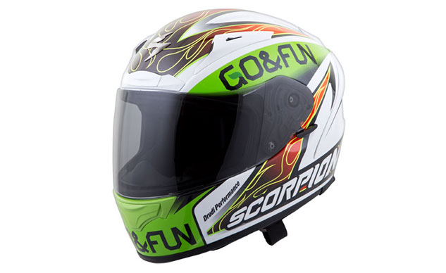 052914-top-10-fathers-day-100-02-scorpion-exo-r2000-baustista-helmet-1