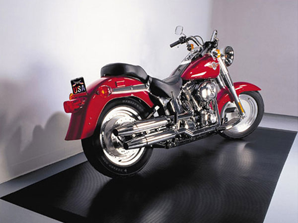 052914-top-10-fathers-day-100-10-Griots-Garage-Grooved-Motorcycle-Mat