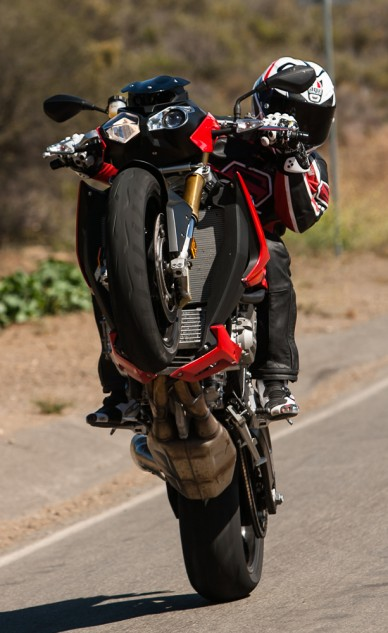 BMW S1000R wheelies!