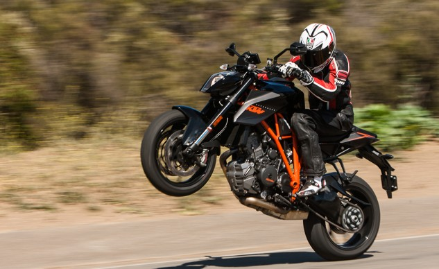 KTM Super Duke R wheelies!