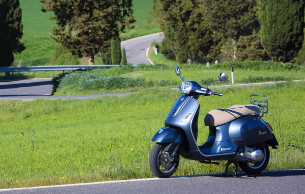 2014-Vespa-GTS300-Super-ABS-Beauty
