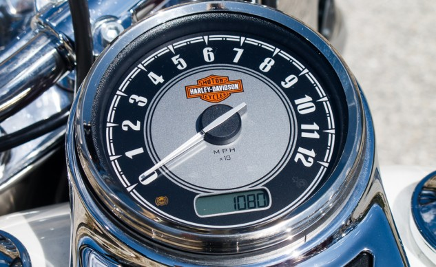 Harley Heritage Softail Classic Instruments