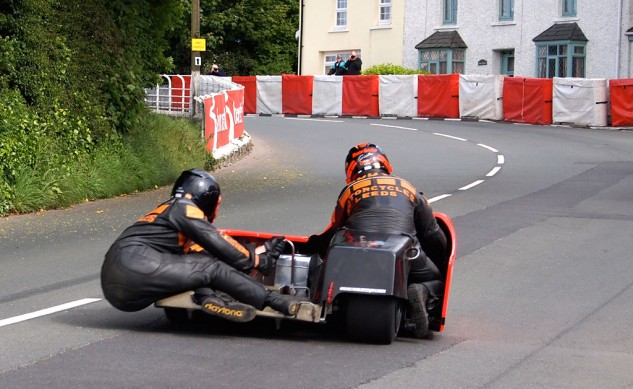 060414-isle-of-man-spectating-sidecar-ginger-hall