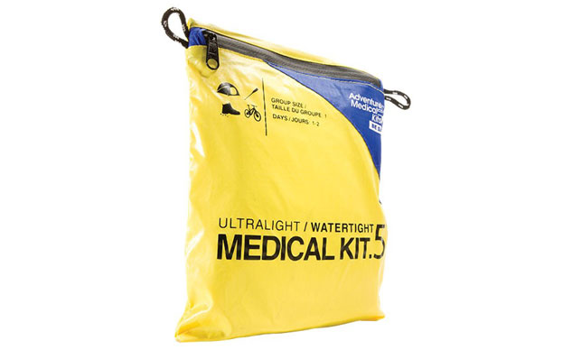 061214-top-10-fathers-day-gift-guide-50-07-ultralight-water-tight-medical-kit