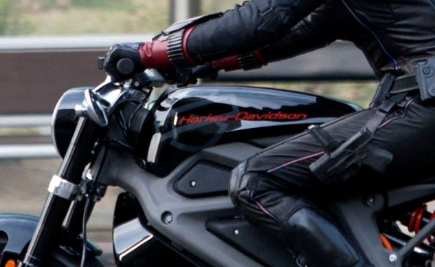 This close-up view of the faux gas tank clearly shows the Harley-Davidson logo. Note also the underslung mirrors and what appears to be a digital dash display. Photo by: Lee Young-ho/Sipa USA