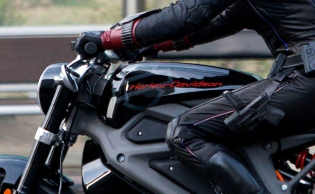 061814-harley-davidson-livewire-electric-avengers-sipausa_13362379-close-up