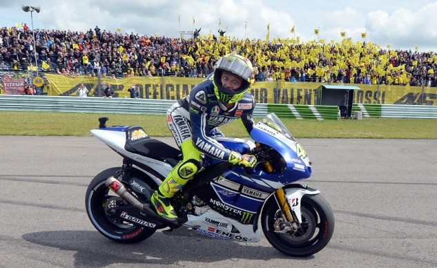 A resurgent Valentino Rossi won the 2013 Dutch TT for his first win in more than two years.