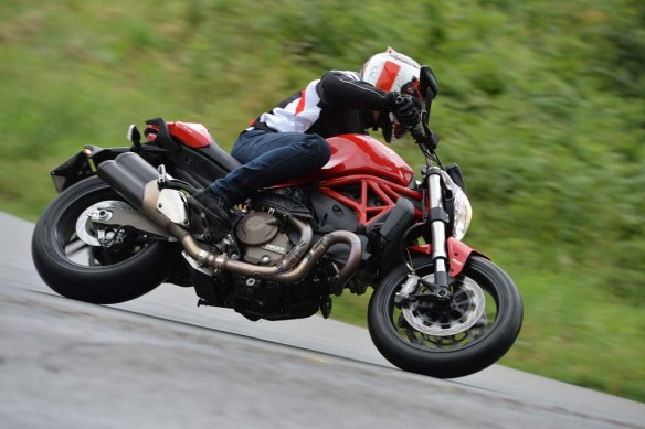 063014-2015-ducati-monster-821-AC1_9287