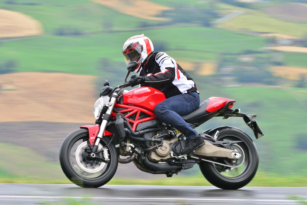 2015 ducati monster 821 review first ride