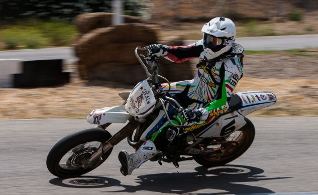 061714-gas-electric-supermoto-shootout-SoCalSupermoto-SchoolBike-9107