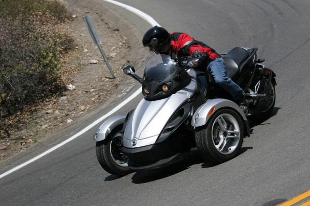 070314-top-10-mo-reviews-02-2008-can-am-spyder