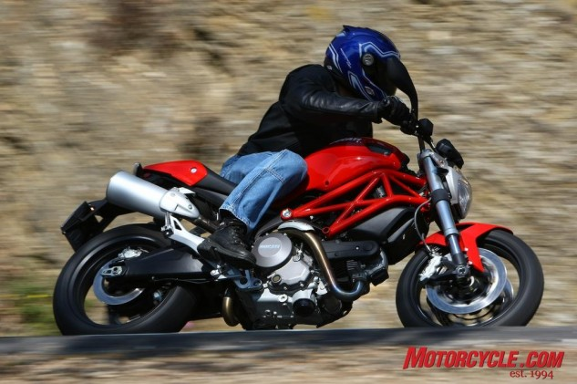 070314-top-10-mo-reviews-03-2009-ducati-monster-696