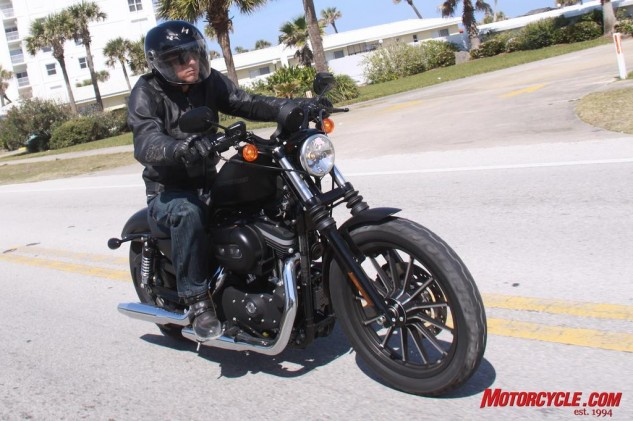 070314-top-10-mo-reviews-04-2009-harley-davidson-iron-883