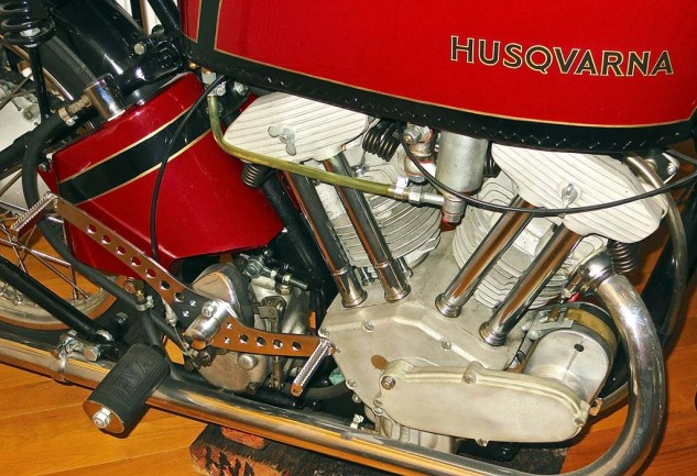 Husqvarna also produced a pushrod V-Twin for Grand Prix competition in the 1920s.