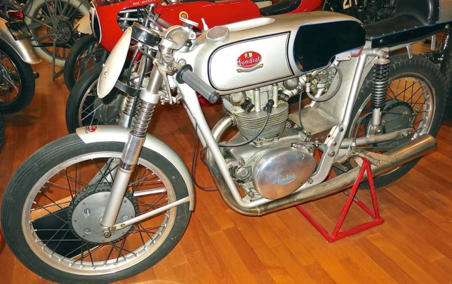 The 1953 Mondial DOHC 175 grew from the factory's 125cc racers, which won the world championship in 1949, '50 and '51.