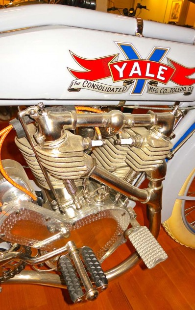 The Yale was built in Toledo, Ohio, from 1902 to 1915. In 1912 they offered the option of chain or belt drive.