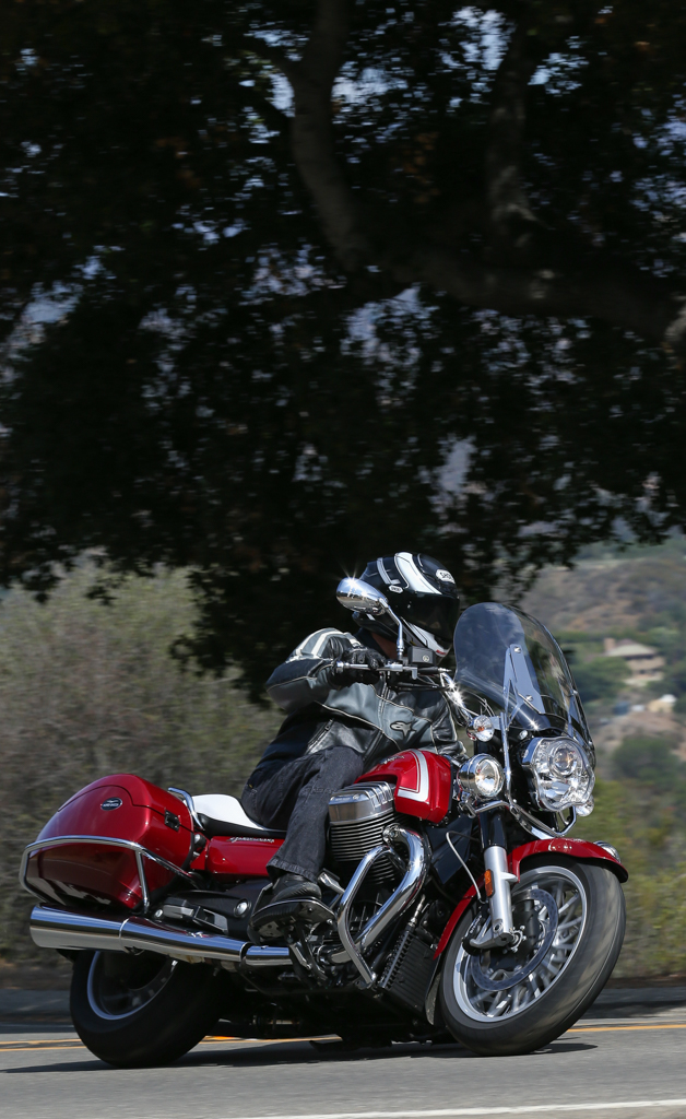 2015 moto guzzi california 1400 touring first ride review video. Black Bedroom Furniture Sets. Home Design Ideas