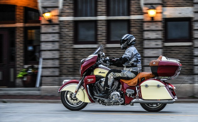 Indian_Roadmaster_MN_July_2014