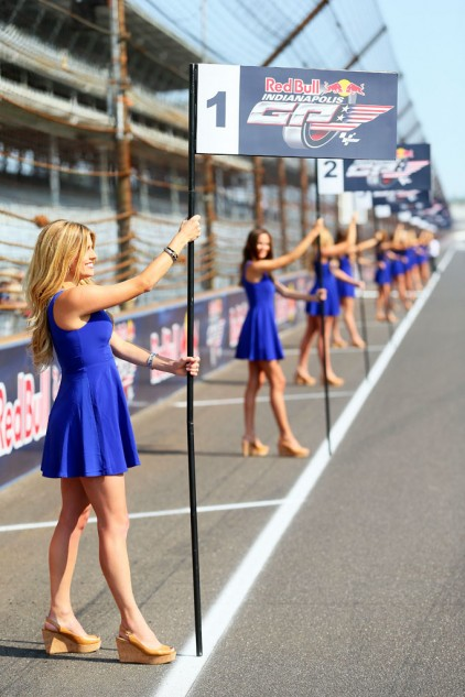 080614-red-bull-indianapolis-grid-girls