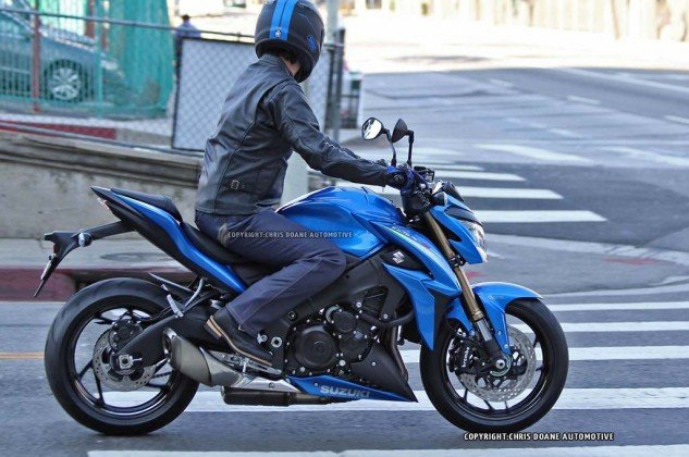 081114-2015-suzuki-gsx-s1000-spy-photos-04