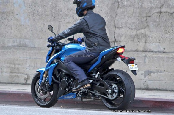 081114-2015-suzuki-gsx-s1000-spy-photos-06