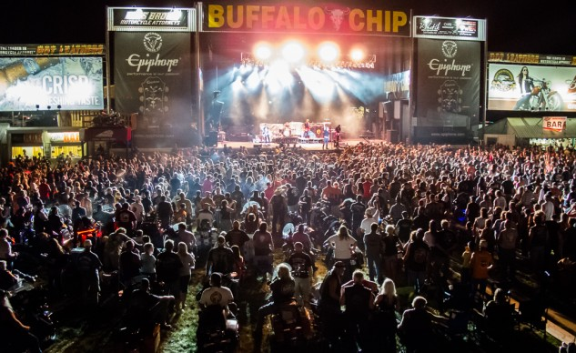 Collective Soul rocks the Buffalo Chip crowd.