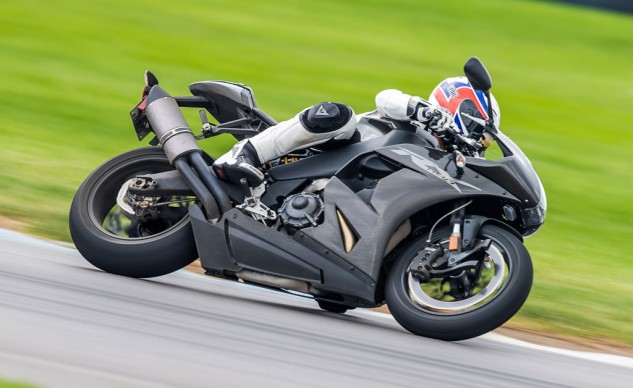081214-best-sportbike-honorable-mention-2014-erik-buell-racing-1190rx